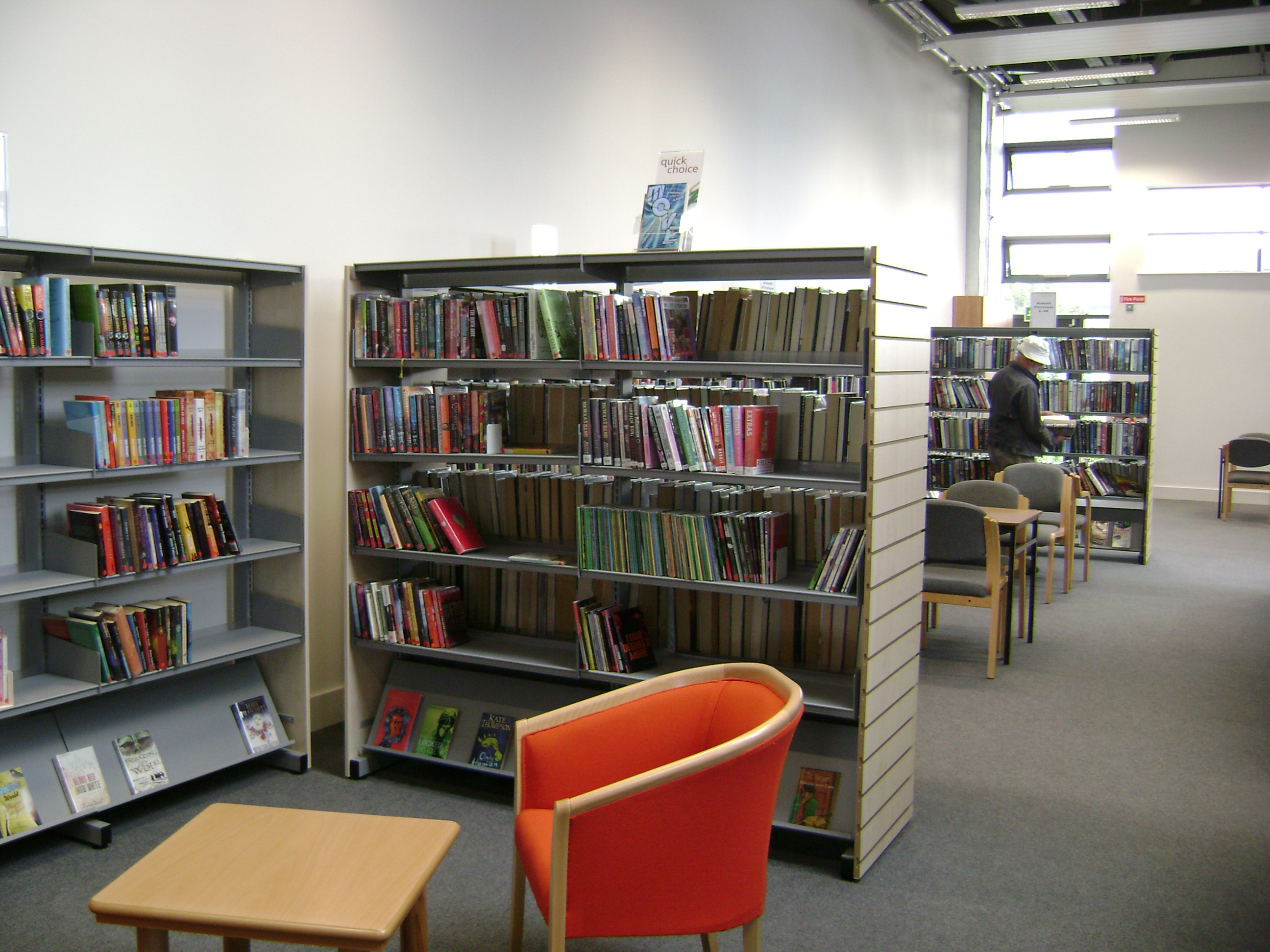 A Wide Range Fo School Library And Library Furniture